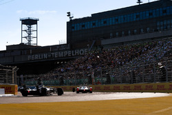 Ник Хайдфельд, Mahindra Racing, и Том Дильман, Venturi Formula E Team