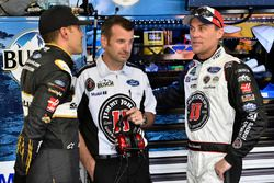 Aric Almirola, Stewart-Haas Racing, Ford Fusion Smithfield/Waffle House, Rodney Childers and Kevin Harvick, Stewart-Haas Racing, Ford Fusion Jimmy John's