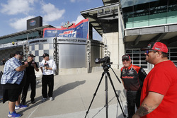 Sébastien Bourdais, Dale Coyne Racing with Vasser-Sullivan Honda with Robin Miller and Marshall Pruett with the worst video camera operator in the world, Chris Wheeler behind the camera