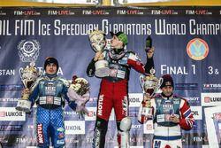 Подиум: победитель Дмитрий Колтаков, второе место Сергей Карачинцев, третье место Даниил Иванов