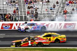 A.J. Allmendinger, JTG Daugherty Racing, Chevrolet Camaro Kroger ClickList crash