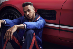 Lewis Hamilton, Tommy Hilfiger moda fotoğraf çekimi