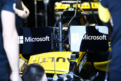 Nico Hulkenberg, Renault Sport F1 Team R.S. 18, with the new halo-friendly display