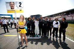 Gary Paffett Mercedes-AMG Team HWA with the team