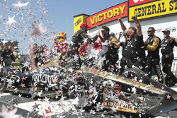 Racewinnaar James Hinchcliffe, Schmidt Peterson Motorsports Honda