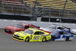 Paul Menard, Team Penske, Ford Mustang Menards/Richmond and Kyle Busch, Joe Gibbs Racing, Toyota Cam