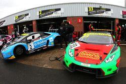 #2 Barwell Motorsport Lamborghini Huracan GT3: Leo Machitski, Patrick Kujala, #33 Barwell Motorsport