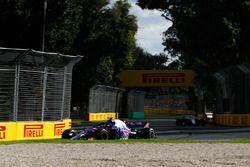 Пьер Гасли, Scuderia Toro Rosso STR13, и Сергей Сироткин, Williams FW41