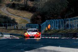 #31 Frikadelli Racing Team Porsche GT3 R: Klaus Abbelen, Norbert Siedler, Felipe Fernandez Laser