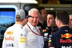 Max Verstappen, Red Bull Racing, Dr Helmut Marko, consultant Red Bull Motorsport et Christian Horner, team principal Red Bull Racing