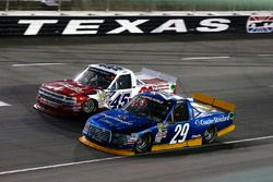 Chase Briscoe, Brad Keselowski Racing Ford y Austin Self, AM Technical Solutions Chevrolet Silverado