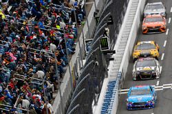 Aric Almirola, Richard Petty Motorsports Ford, Ryan Newman, Richard Childress Racing Chevrolet