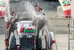 Podium : les vainqueurs Elfyn Evans, Daniel Barritt, Ford Fiesta WRC, M-Sport