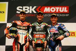 Podium : vainqueur Jonathan Rea, Kawasaki Racing, deuxième place Chaz Davies, Ducati Team, troisième place Alex Lowes, Pata Yamaha
