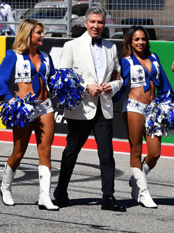 Michael Buffer, Cowbows cheerleads