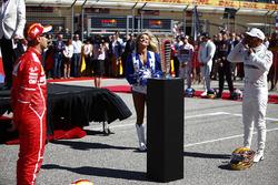 Себастьян Феттель, Ferrari, и Льюис Хэмилтон, Mercedes AMG F1
