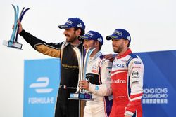 Podio: ganador de la carrera Sam Bird, DS Virgin Racing, segundo lugar Jean-Eric Vergne, Techeetah,