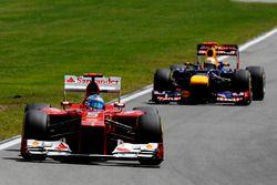 Fernando Alonso, Ferrari F2012 ahead of Sebastian Vettel, Red Bull Racing RB8