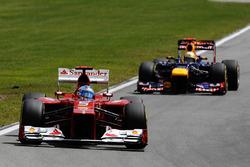 Fernando Alonso, Ferrari F2012 y Sebastian Vettel, Red Bull Racing RB8