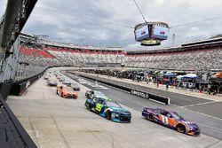 Denny Hamlin, Joe Gibbs Racing, Toyota Camry FedEx Freight and Kasey Kahne, Leavine Family Racing, Chevrolet Camaro WRL General Contractors