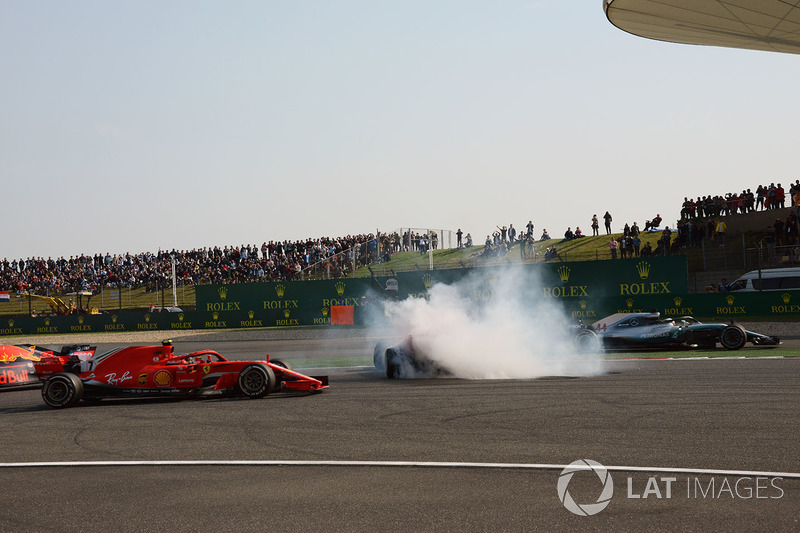 GP de China: Lucha con Hamilton, incidente con Vettel