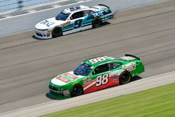 Kevin Harvick, Biagi-DenBeste Racing, Ford Mustang Hunt Brothers Pizza, Tyler Reddick, JR Motorsports, Chevrolet Camaro Takl