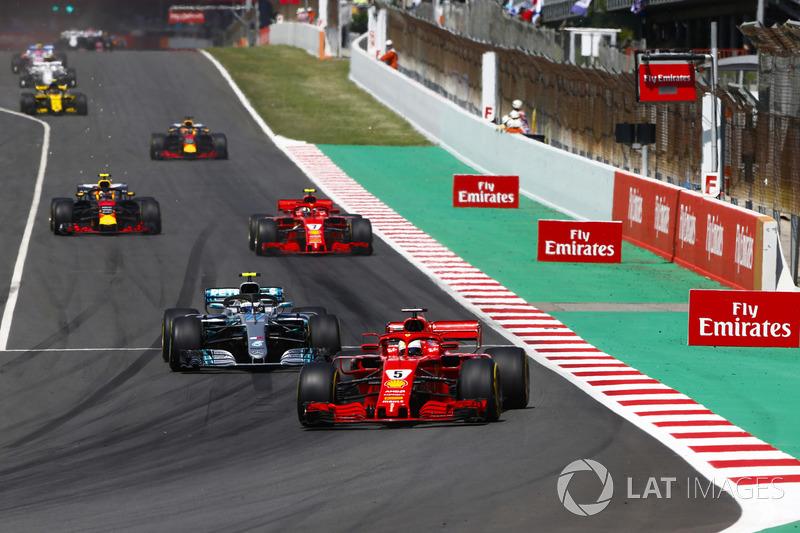 Sebastian Vettel, Ferrari SF71H, Valtteri Bottas, Mercedes AMG F1 W09, Kimi Raikkonen, Ferrari SF71H e Max Verstappen, Red Bull Racing RB14