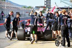 Nicholas Latifi, Force India VJM11, s'arrête au stand