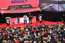 Will Buxton, FOM TV Presenter and Nico Hulkenberg, Renault Sport F1 Team on the Fanzone stage