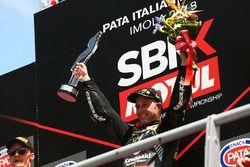 Podium: ganador, Jonathan Rea, Kawasaki Racing