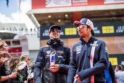 Sergio Perez, Force India et Daniel Ricciardo, Red Bull Racing durant la parade des pilotes
