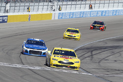 Ryan Blaney, Team Penske, Ford Fusion Menards / Pennzoil e Kyle Larson, Chip Ganassi Racing, Chevrolet Camaro Credit One Bank