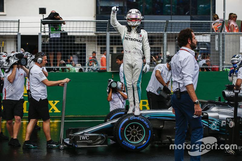 Lewis Hamilton, Mercedes AMG F1 celebrates pole position in Parc Ferme