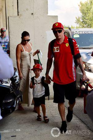 Kimi Raikkonen, Ferrari with his wife Minttu Virtanen, and son Robin Raikkonen, son