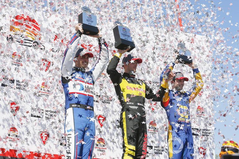 Sébastien Bourdais, Dale Coyne Racing with Vasser-Sullivan Honda, Graham Rahal, Rahal Letterman Lanigan Racing Honda, Alexander Rossi, Andretti Autosport Honda celebrate on the podium