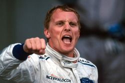Race winner Johnny Herbert, Stewart Grand Prix