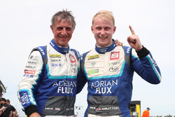 Ganador de la pole Ashley Sutton, Team BMR Subaru Levorg, Jason Plato, Team BMR Subaru Levorg GT