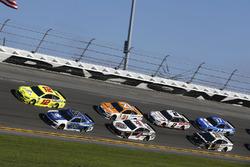 Ryan Blaney, Team Penske Ford Fusion Alex Bowman, Hendrick Motorsports Chevrolet Camaro
