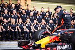 Max Verstappen, Red Bull Racing op de teamfoto van Red Bull Racing