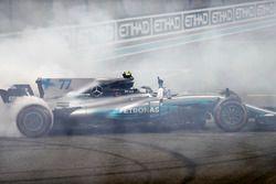Победитель Валттери Боттас, Mercedes AMG F1 W08