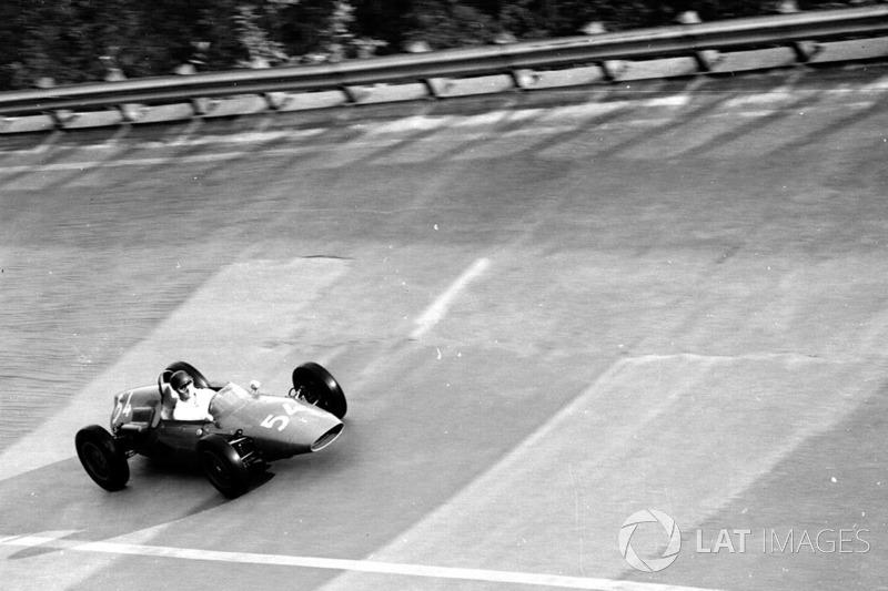 Monza também já teve um traçado incomum, utilizando a combinação entre misto e oval nos anos de 1955, 1956, 1960 e 1961...