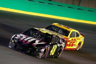 Jimmie Johnson, Hendrick Motorsports, Chevrolet Camaro Ally Joey Logano, Team Penske, Ford Mustang Shell Pennzoil