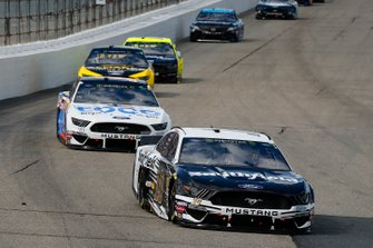 Aric Almirola, Stewart-Haas Racing, Ford Mustang Smithfield and Clint Bowyer, Stewart-Haas Racing, Ford Mustang Toco Warranty/Haas Automation