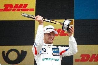 Подиум: обладатель второго места Марко Виттман, BMW Team RMG