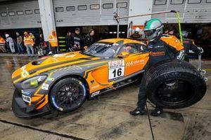 #16 Black Falcon Mercedes-AMG GT3: Hubert Haupt, Adam Christodoulou, Luca Stolz