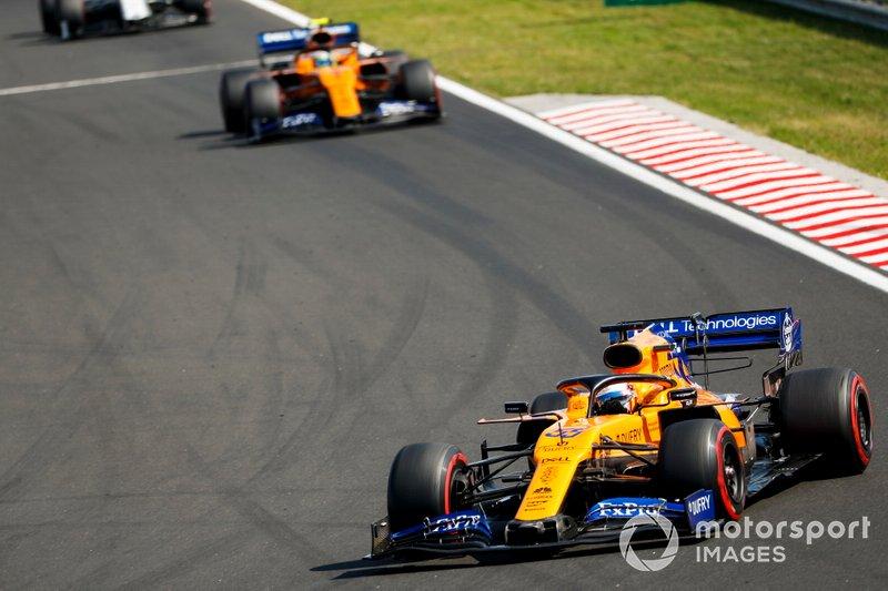 Carlos Sainz Jr, McLaren MCL34, Lando Norris, McLaren MCL34