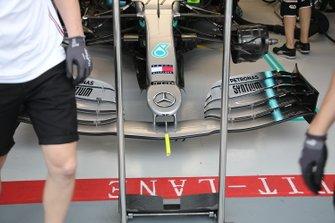 Mercedes AMG F1 W10, voorvleugel