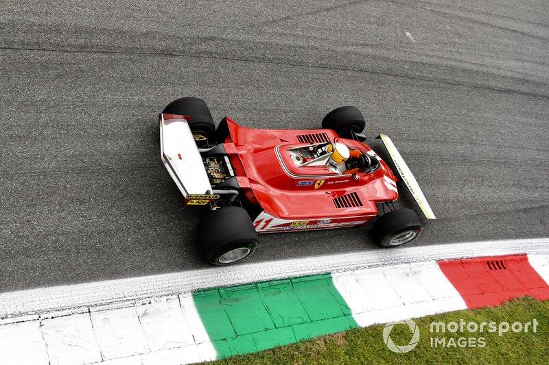 Jody Scheckter a bordo del Ferrari 312T4 campeón del mundo en 1979