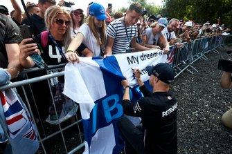 Fans meet Valtteri Bottas, Mercedes AMG F1