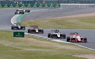 Маркус Армстронг, PREMA Racing, Дэвид Бекманн, ART Grand Prix, Юри Випс, Hitech Grand Prix, и Джейк Хьюз, HWA RACELAB